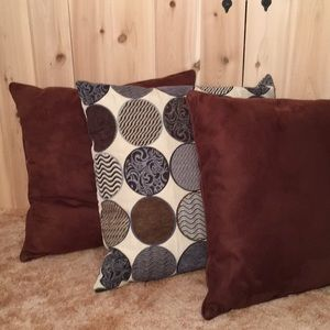 "Other - Set of 2 Micro Fiber Brown Accent Pillows 17""x17"""